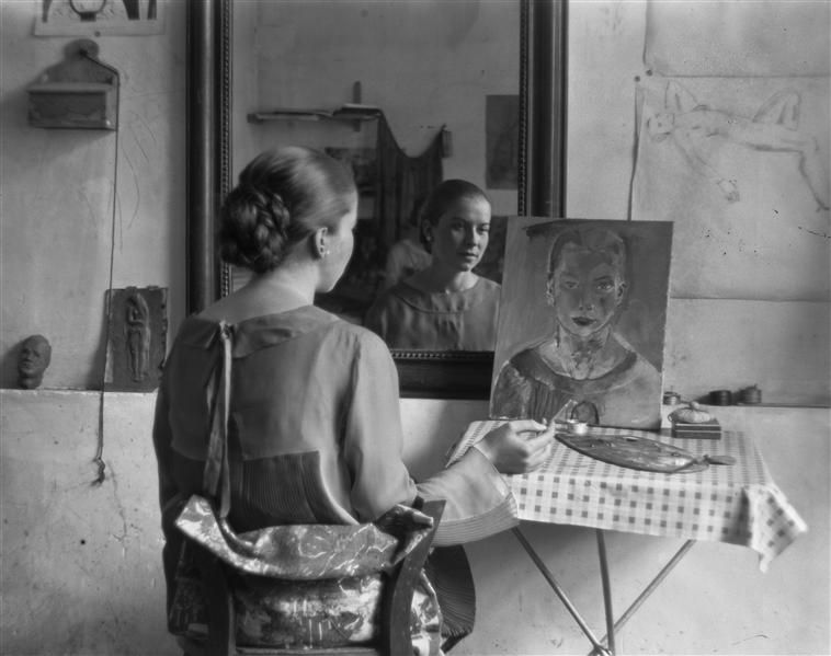 gunvor berg peignant son autoportrait face un miroir andr kert sz 1926 a few people of. Black Bedroom Furniture Sets. Home Design Ideas