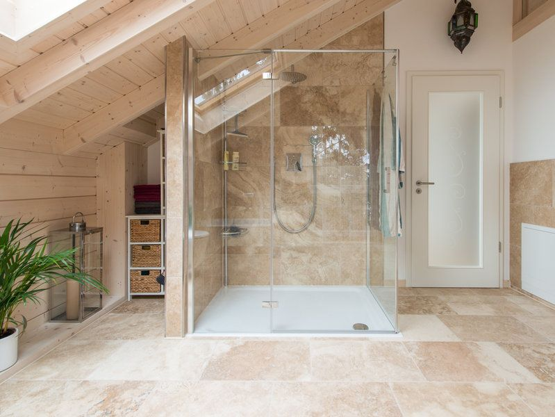 Mediterranes Badezimmer mit freistehender Badewanne. | House ...