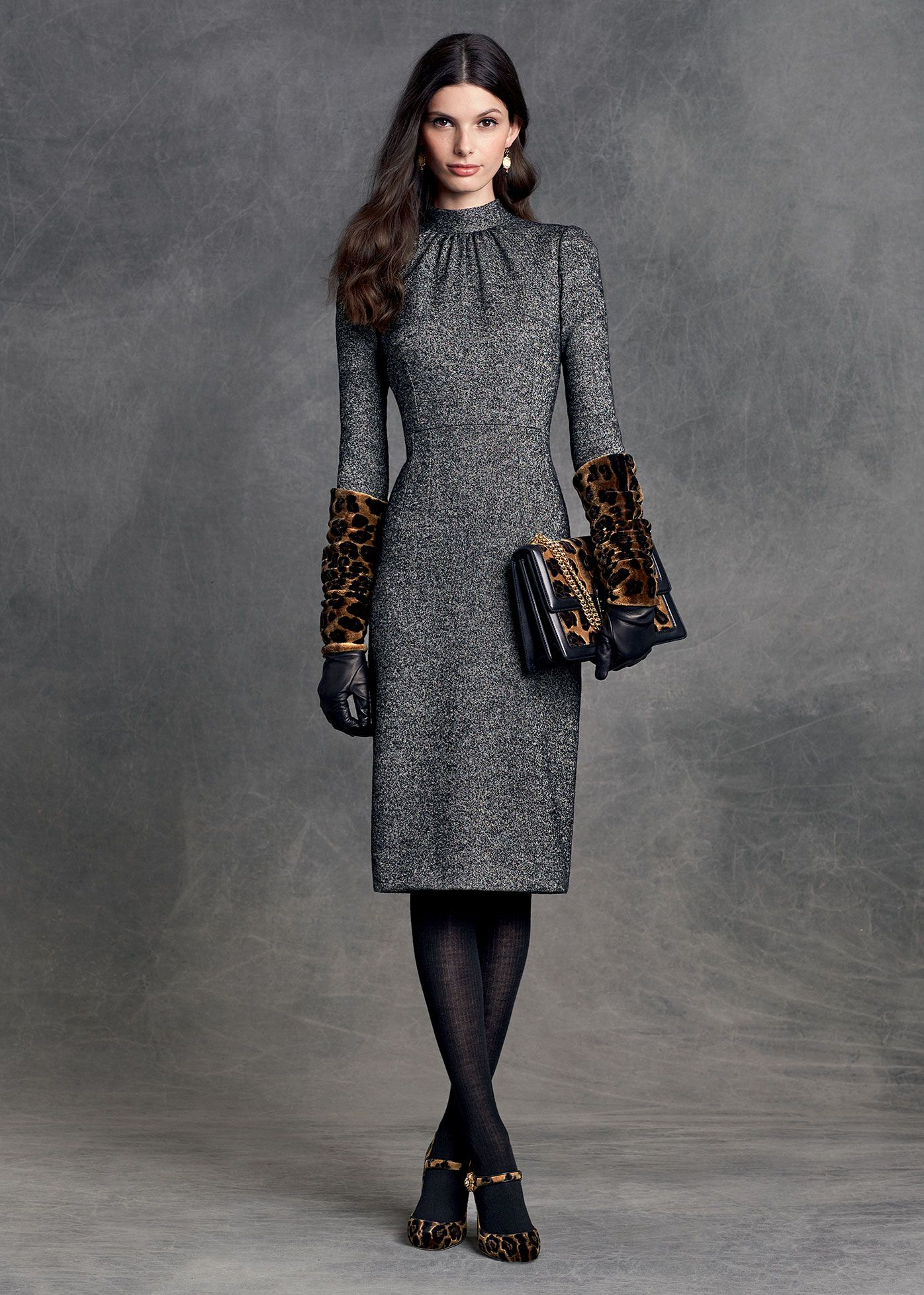 collar and bodice: How does this dress look in motion/arms moving? Dolce