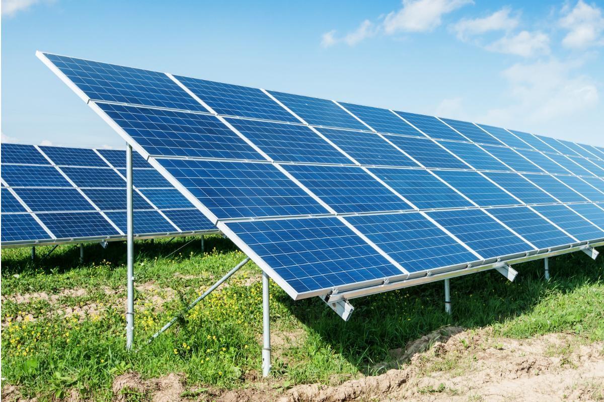 Stanford S New Solar Farm Https Futurism Com Videos Stanfords New Solar Farm Utm Campaign Coschedule Utm Source Pinteres Energy Australia Solar Panels Solar