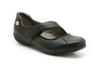 Although non the most attractive shoes, they should be black