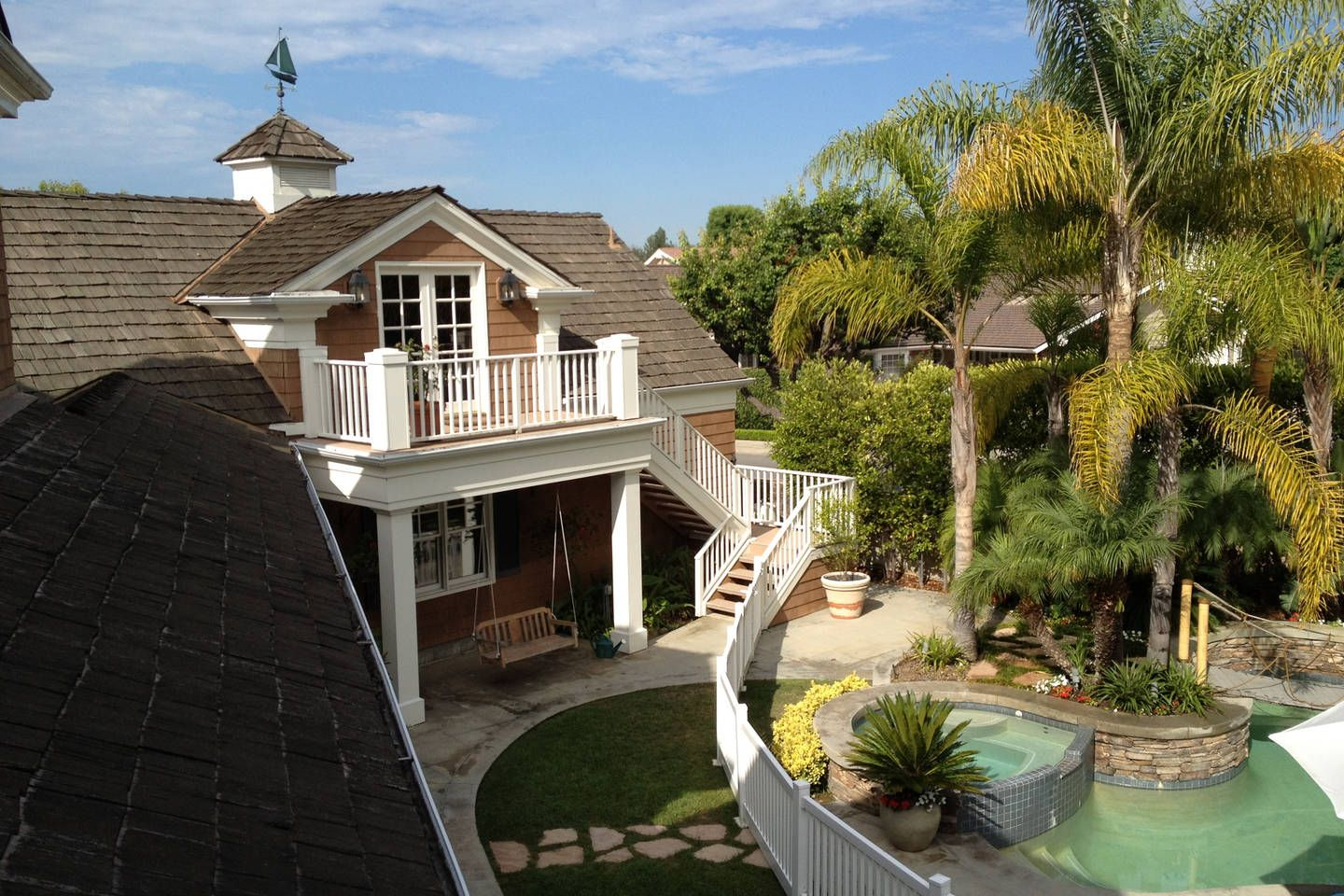 Gorgeous Carriage House Studio Vacation Rental In Huntington Beach California View More Huntingtonbeachcal Newport Beach Beach Vacation Rentals