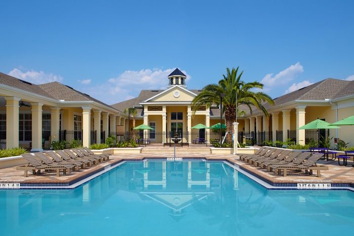 Disney College Program Pools Housing For The Has Many Amenities One Of Being There Are 5 In Total 2 At Vista