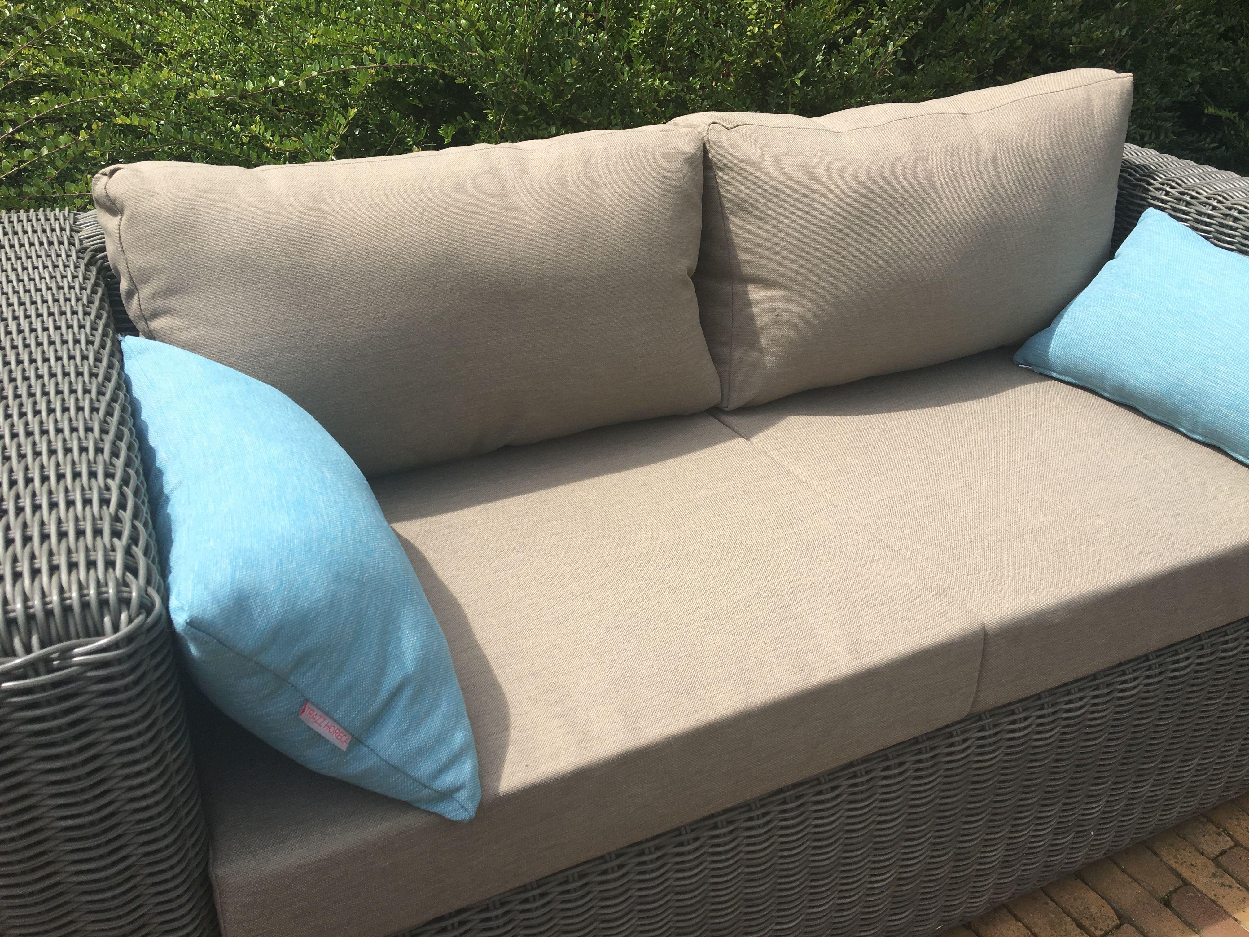 Loungebank kussens op maat gemaakt in sunproof stof lounge bank