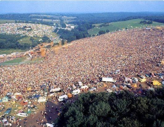 Aerial Shot Thats Not Garbage This Is How Half A Million People Look Like From The Air
