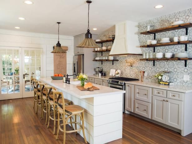 Hgtv S Fixer Upper With Chip And Joanna Gaines Farmhouse Kitchen Design Fixer Upper Kitchen Kitchen Layout