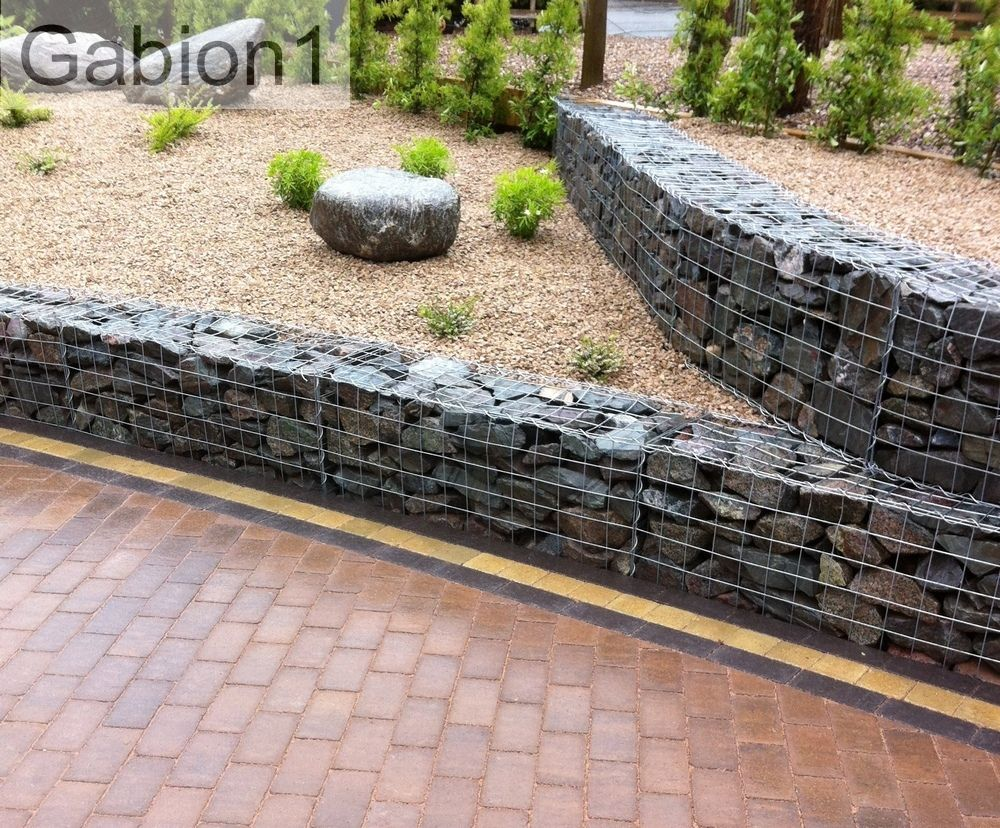 Curved gabion retaining walls built using 1050 x 450 x Gabion wall design