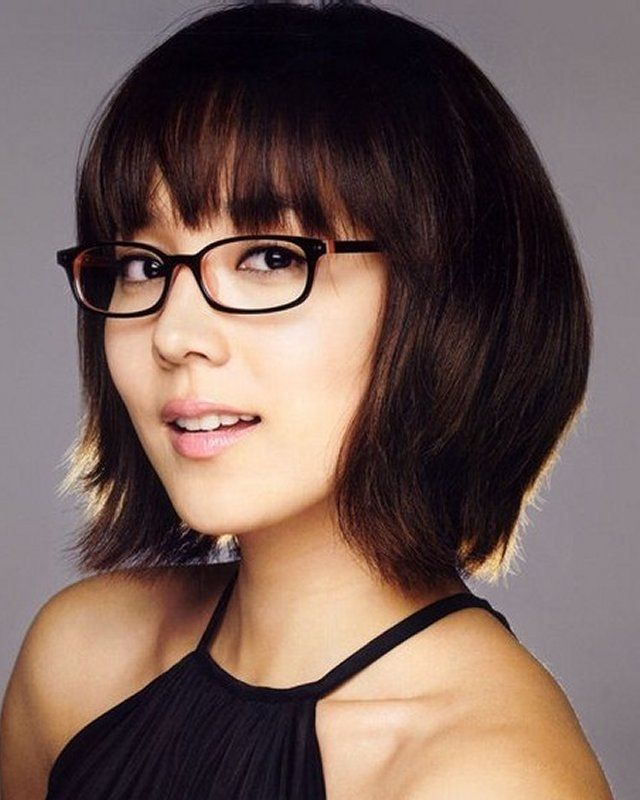 Short Hairstyles For Women With Round Faces And Glasses