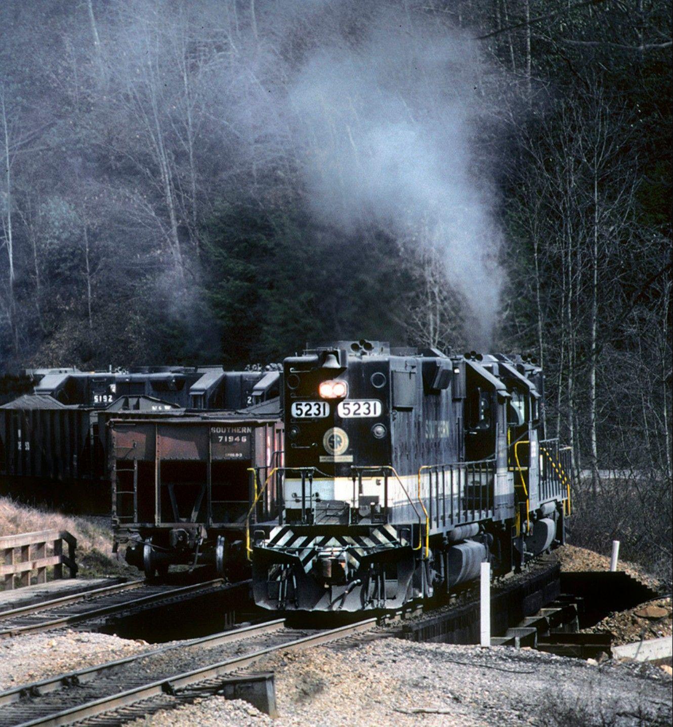 Southern Railway 5231, EMD GP38-2, Imboden, VA
