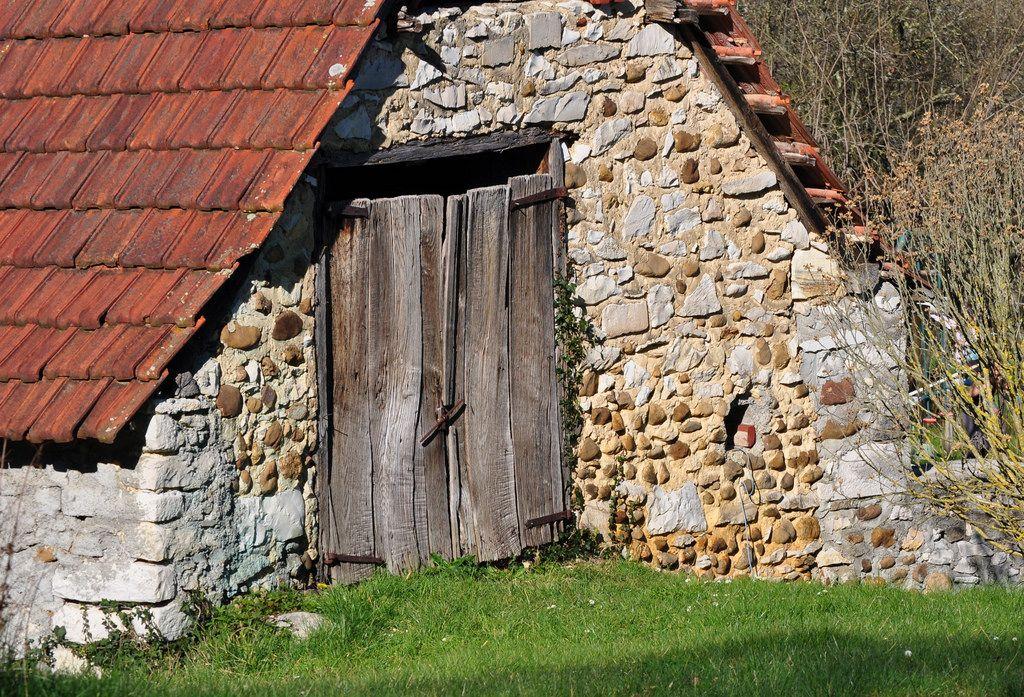 La grange, Bosdarros, Béarn, Pyrénées Atlantiques, Aquitaine, France.