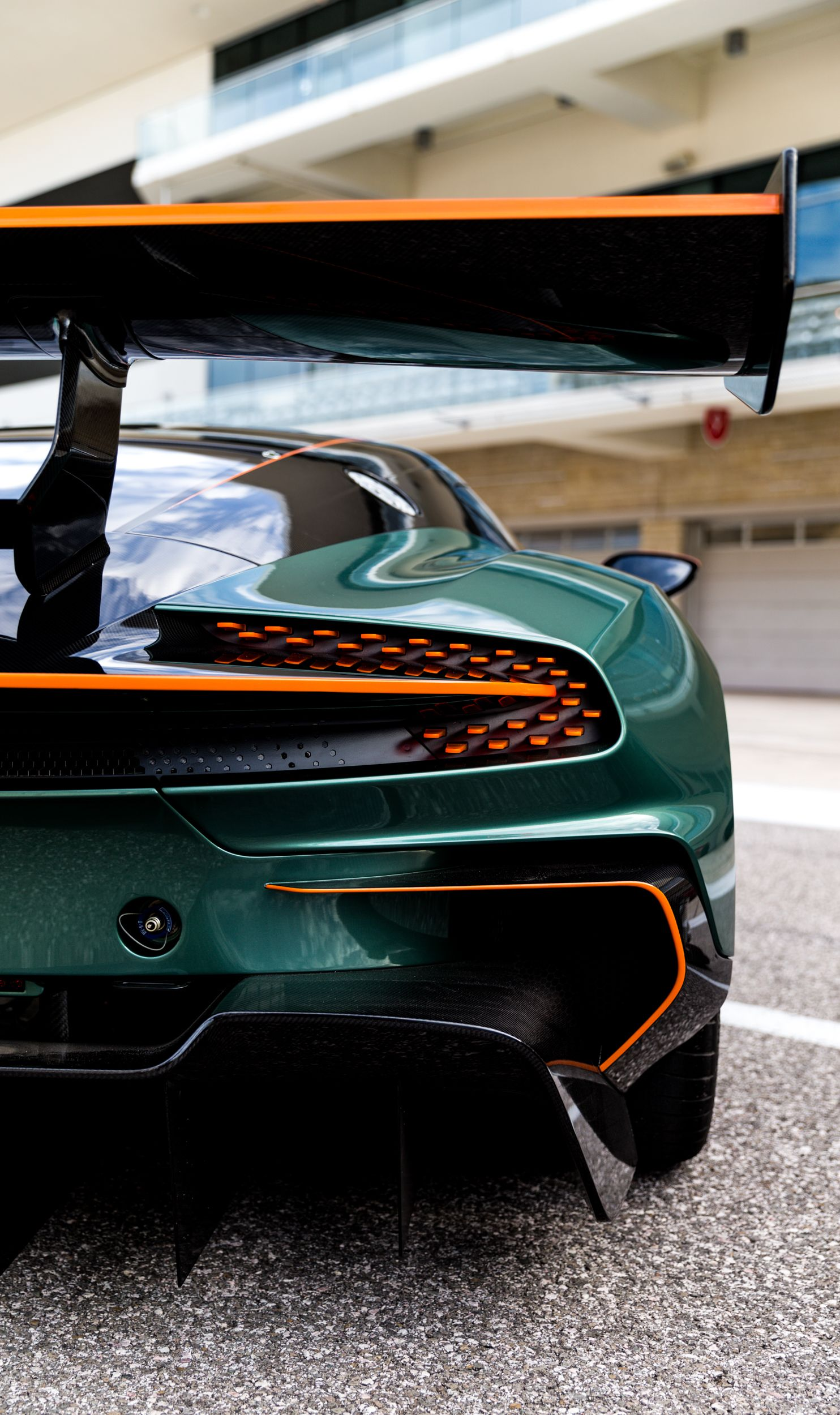 Behold The Unfathomably Gorgeous Spectacle Of An Aston Martin Vulcan Track Day Aston Martin Vulcan Super Luxury Cars Super Cars
