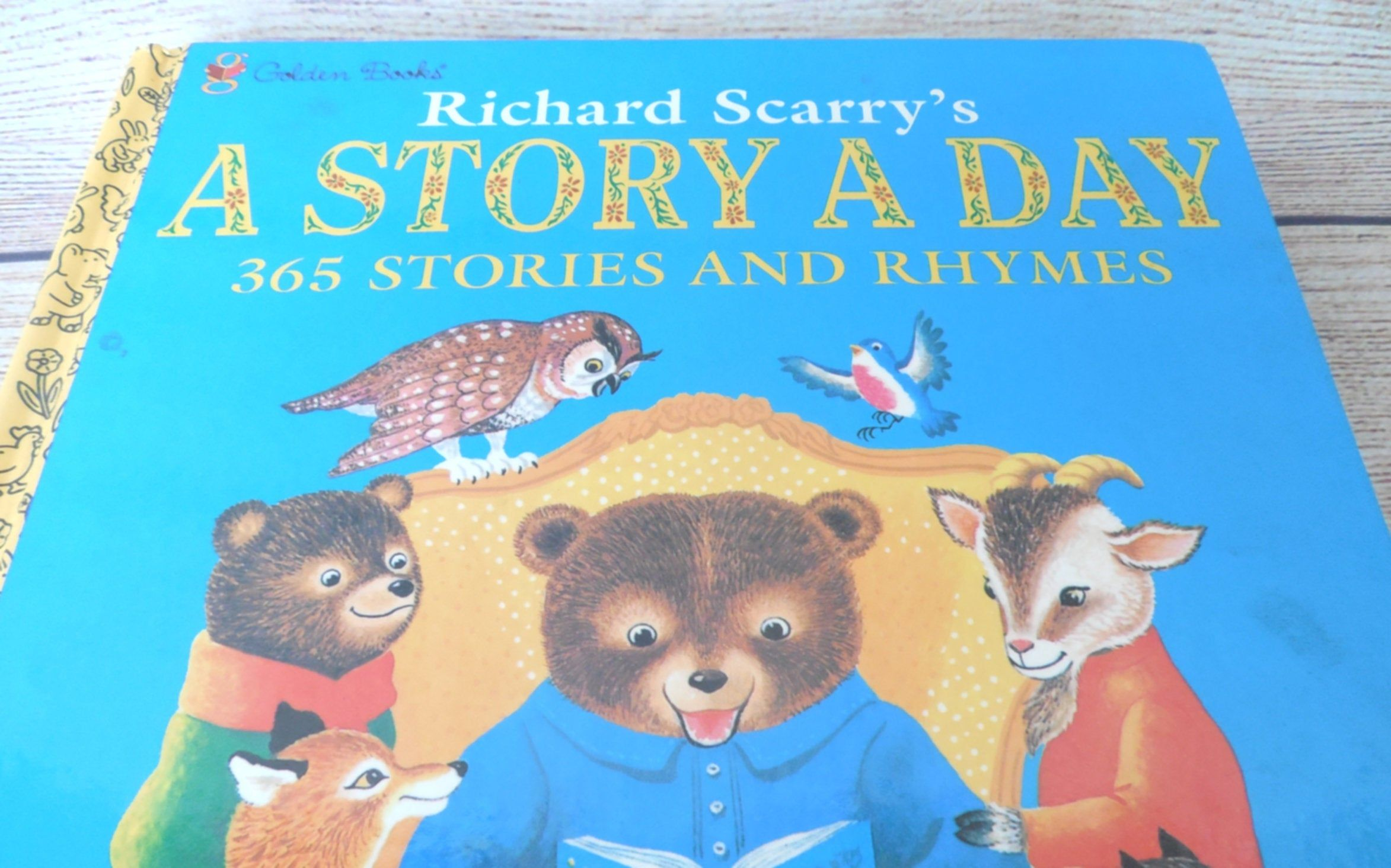 Vintage Richard Scarry A Story A Day 365 Stories And Etsy Richard Scarry Scarry Rhymes