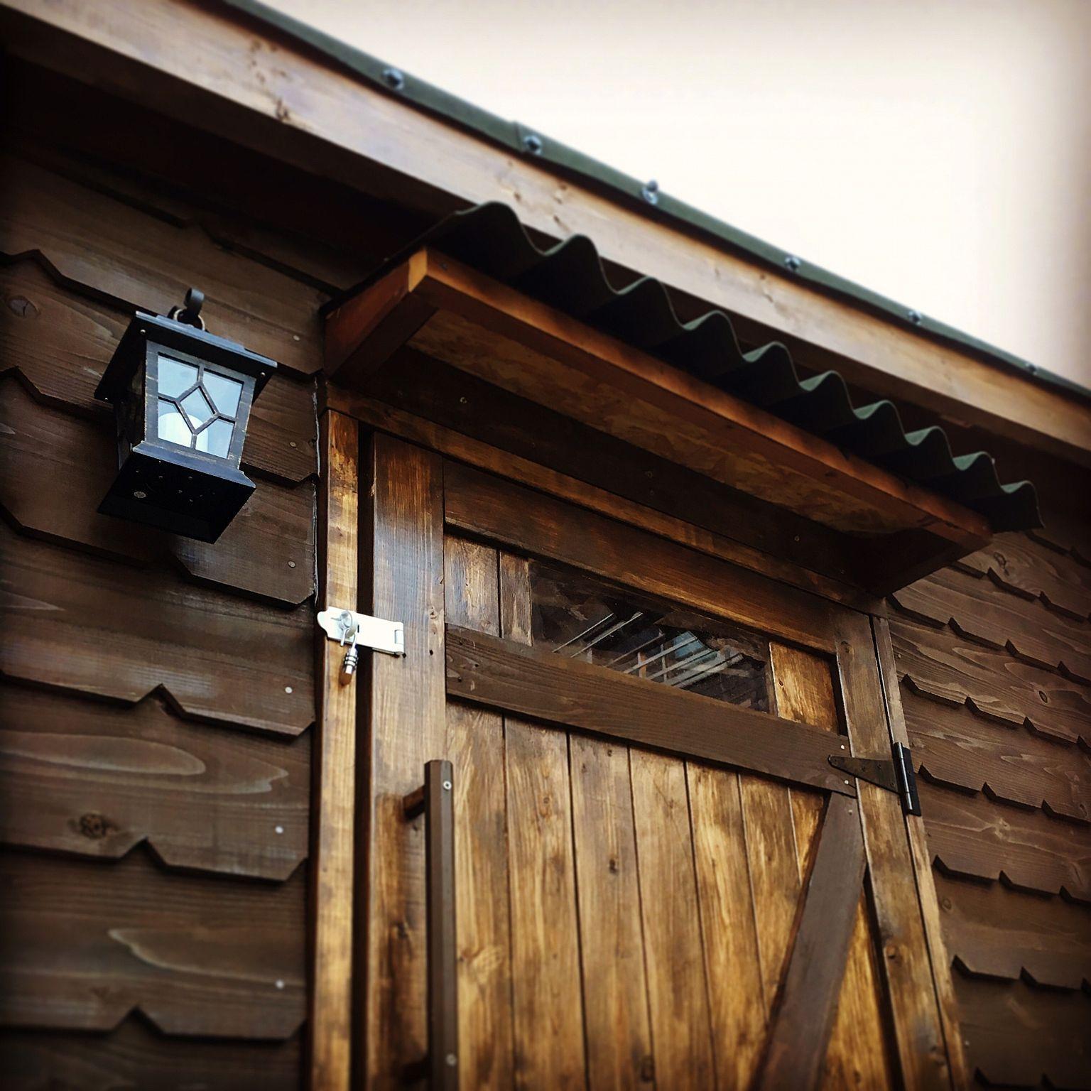 玄関 入り口 ビンテージ 照明 ランタン 小屋 などのインテリア実例