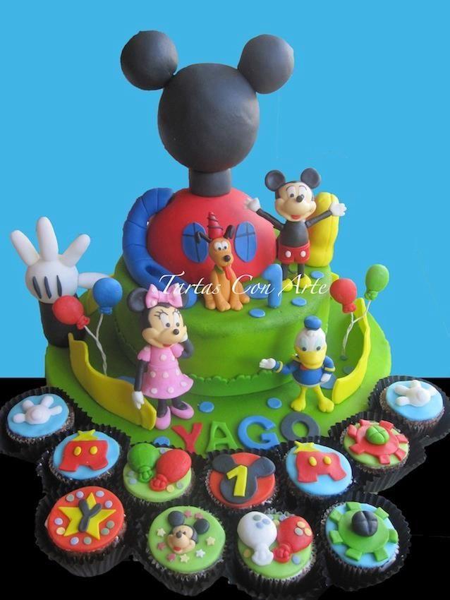 www.tartasconarte.com Tarta y Cupcakes La casa de Mickey de fondant