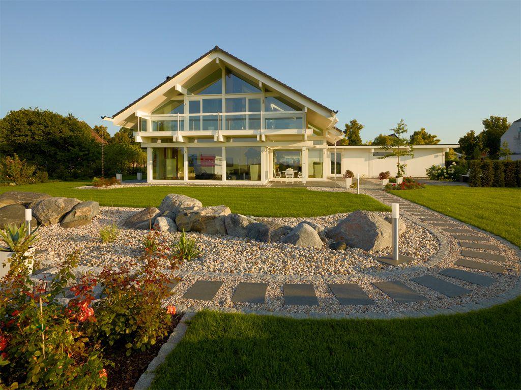 Traumhaus mit garten  Moderne energieeffiziente Fachwerk-Häuser aus Holz und Glas - HUF ...