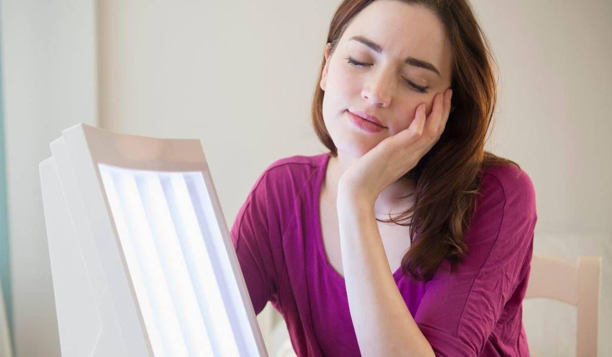 اعراض نقص فيتامين دال الشديد عند النساء High Neck Dress Neck Neck Dress