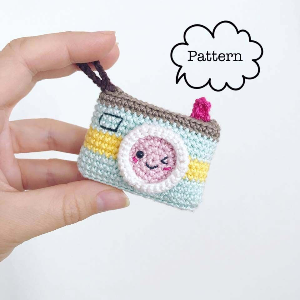 Camera keychain amigurumi | Crochet | Pinterest | Patrones amigurumi ...
