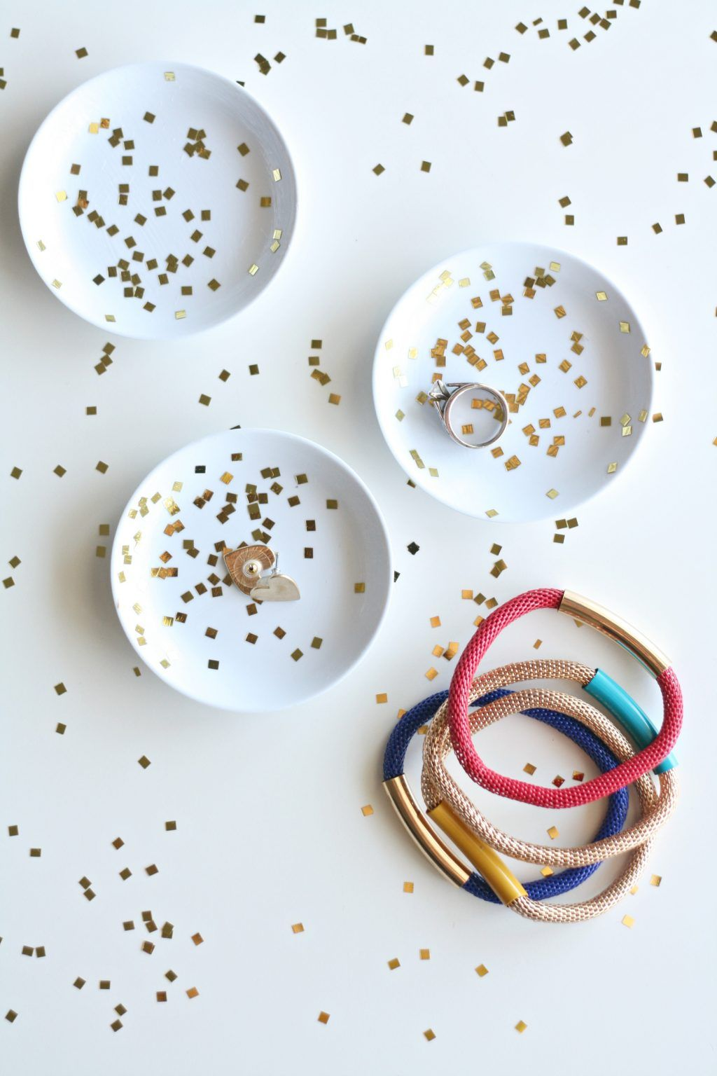 Photo of How to Make DIY Mod Podge Confetti Dishes | The Pretty Life Girls