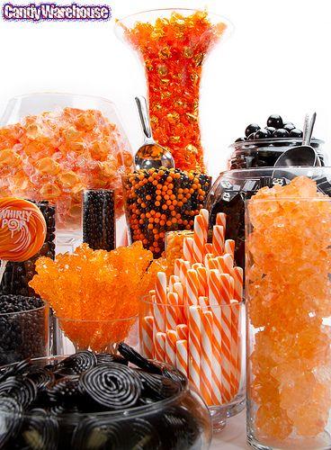 Mesa dulce de halloween de colores naranja y negro Mesa dulce