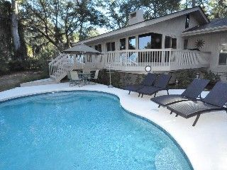 3 Bedroom +  Plus Den, 5th row ocean home (3 minute walk to the beach)