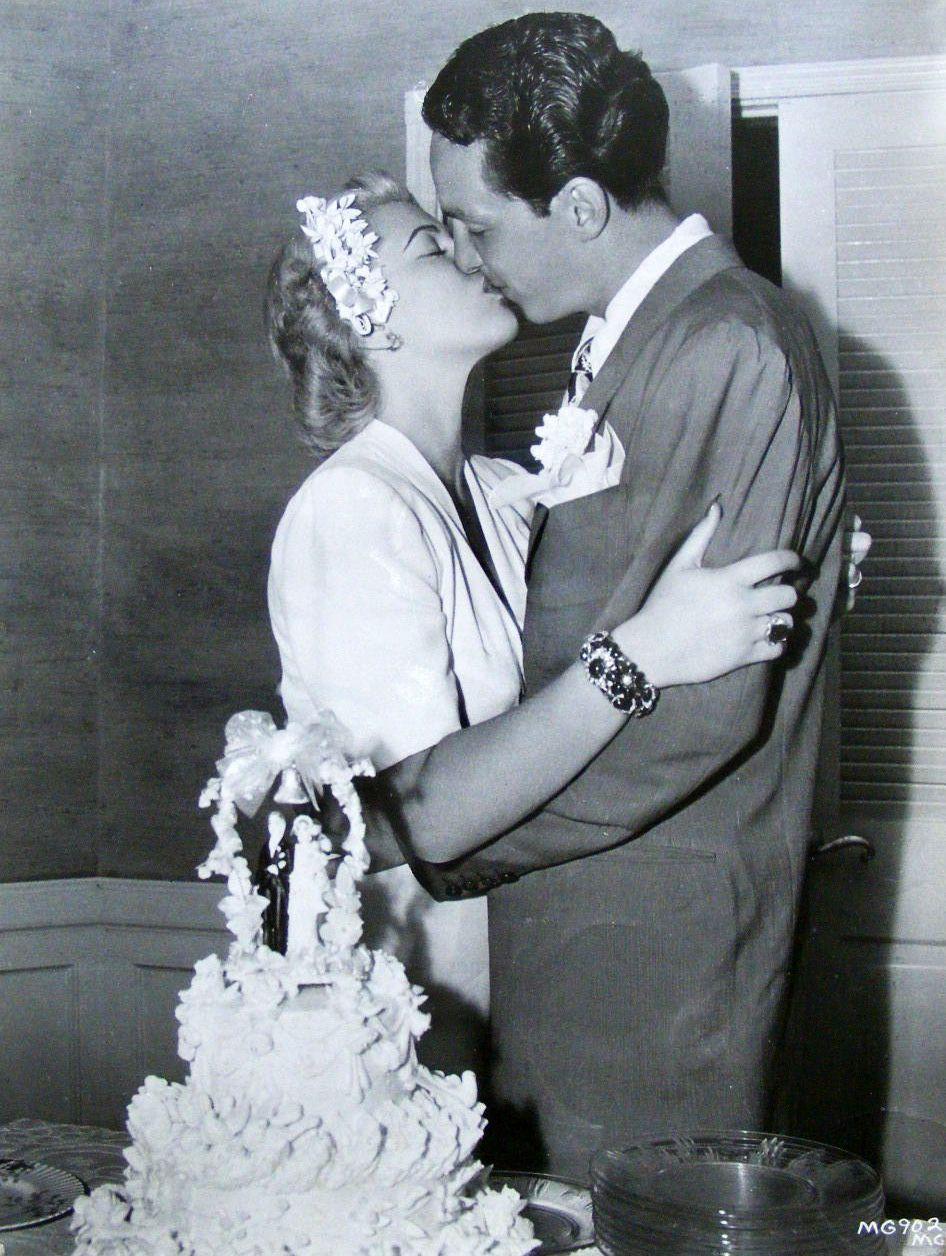 Famous wedding dresses  Lana Turner u Stephen Crane wedding   Celebrity Weddings And