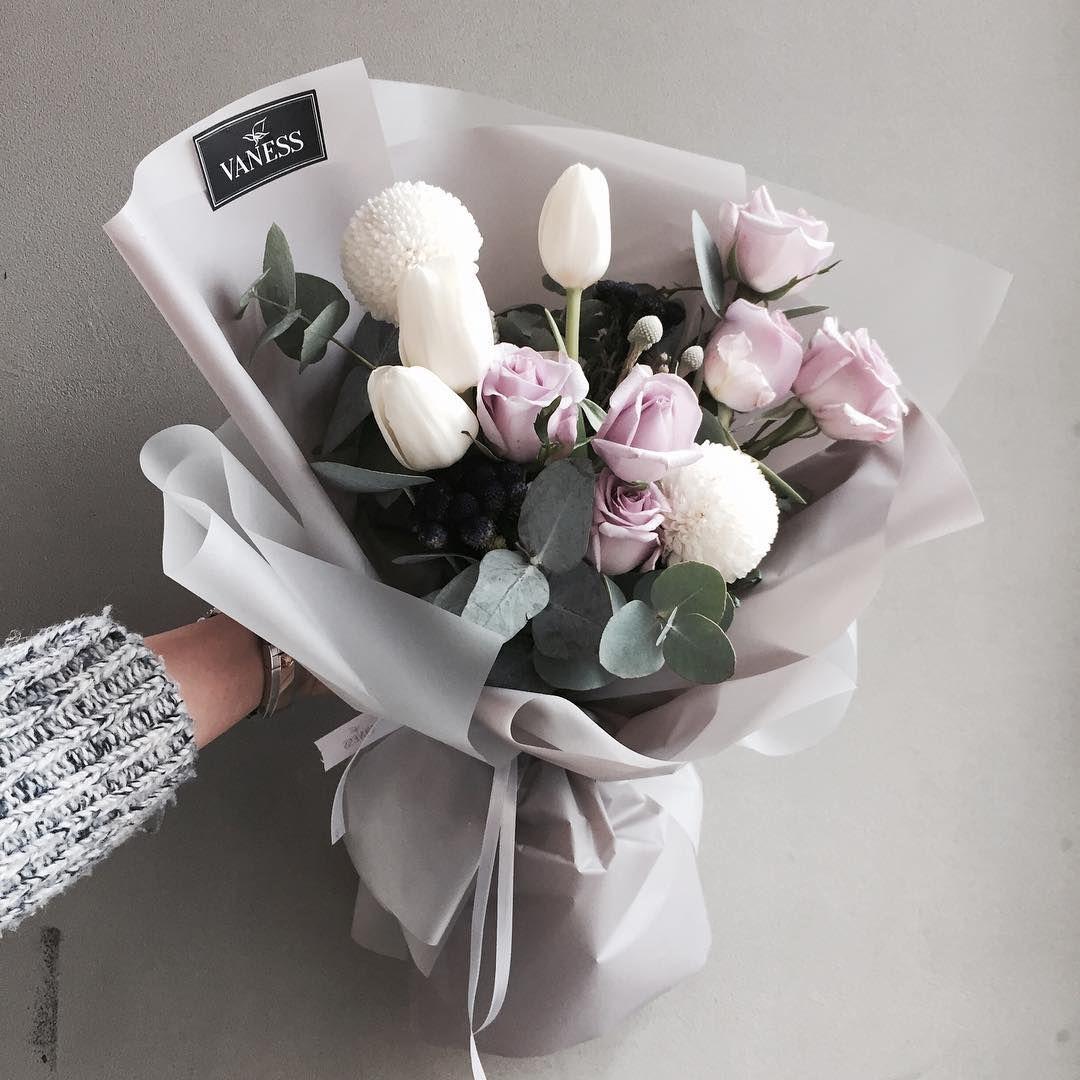 "2,607 Likes, 18 Comments - 플로리스트 이주연 florist Lee Ju Yeon (@vanessflower) on Instagram: ""주문 레슨문의 Katalk ID vanessflower52 #vanessflower #vaness #flower #florist #flowershop #handtied…"""