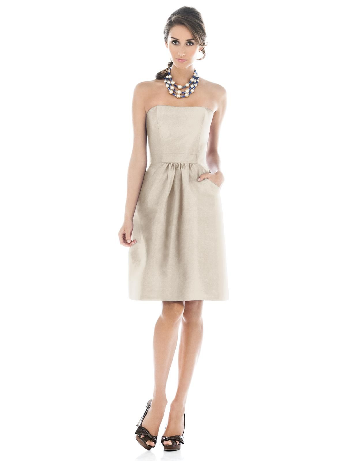 Alfred sung bridesmaid dress d comes in a very pale pink