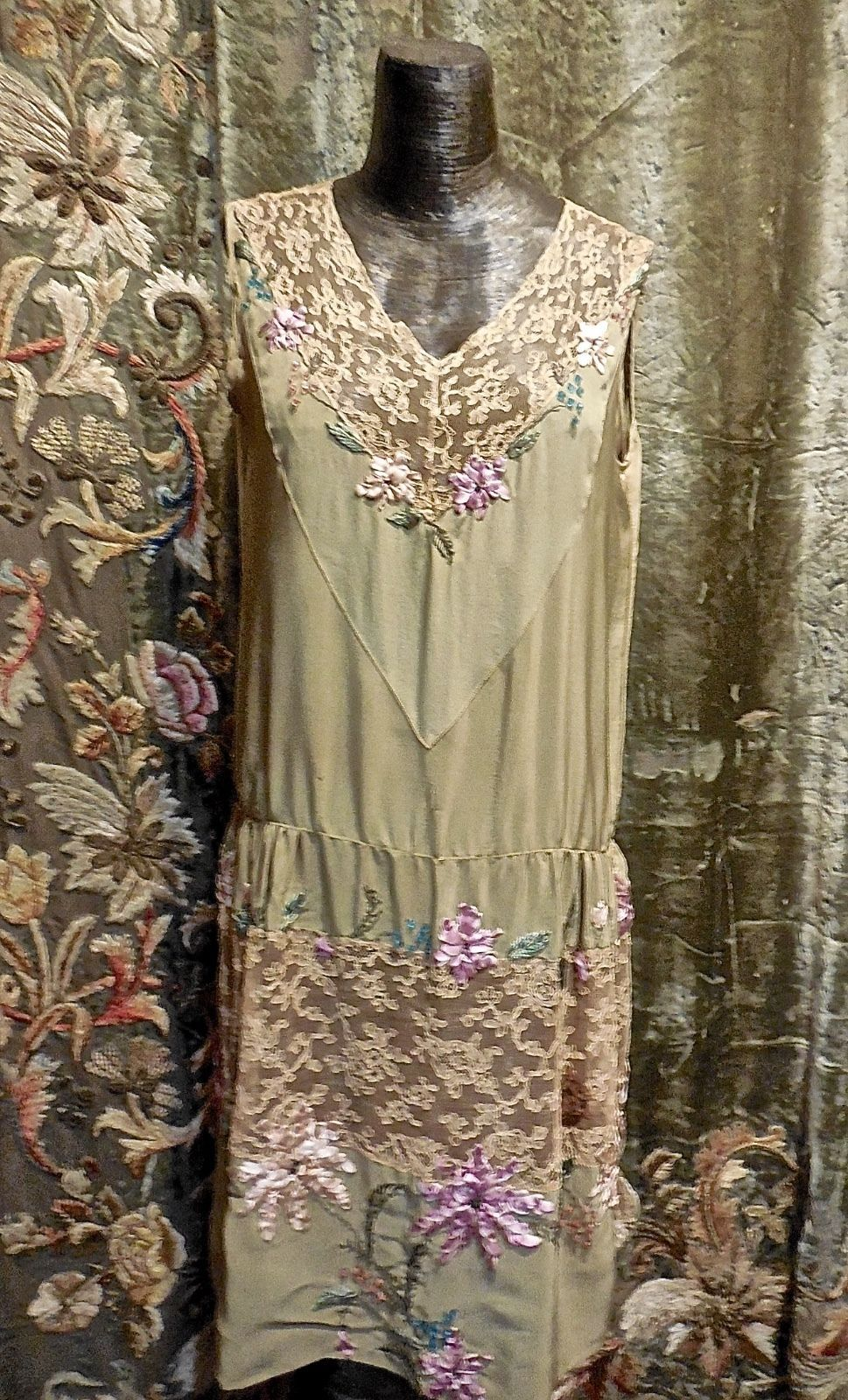 1938eec3f7b30 Authentic Gatsby Vintage 1920s Flapper Silk Lace Ribbon Work Beaded Dress