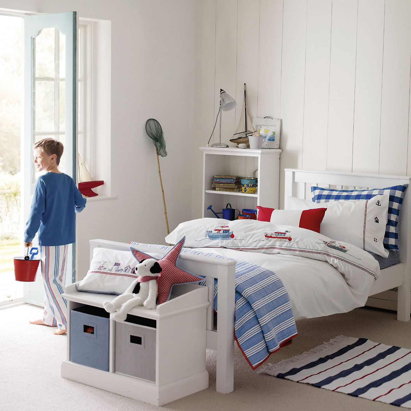 buy the little white company  u0026gt  childrens bedroom  u0026gt  stripe fringe rug from the white company