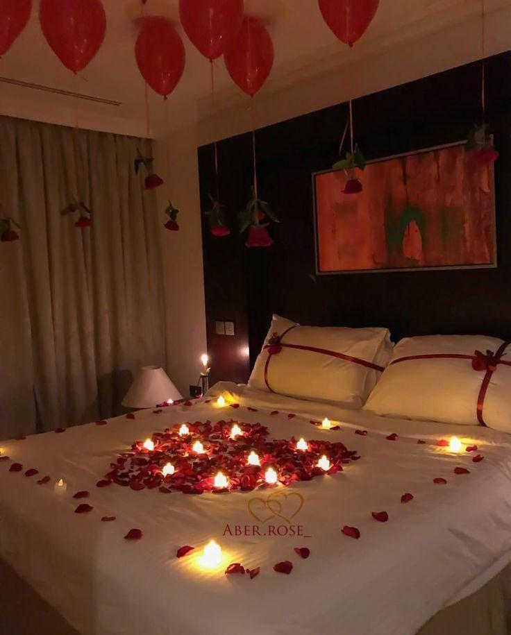 Wie man Schlafzimmer für romantische Nacht verziert ...