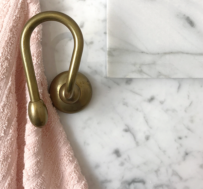 Accessori Bagno Toscana.Porta Telo Natural Brass Evoluzione Texture Superfi
