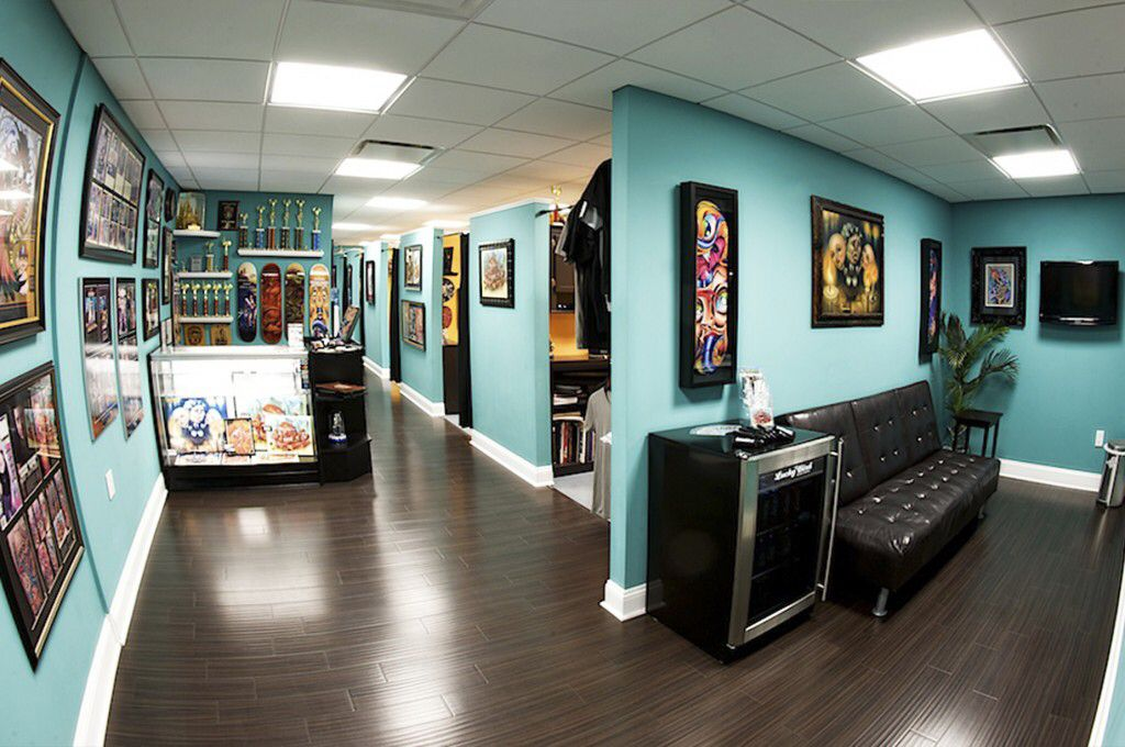 Tattoo shop tattoo shop interiors pinterest inspiration for Good tattoo parlors near me