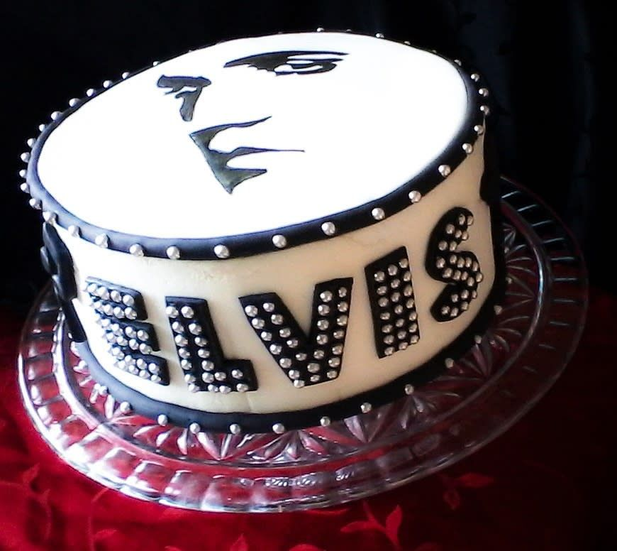 Sensational Elvis Birthday Cake Cake By Jenn Szebeledy Cakeartbyjenn Birthday Cards Printable Opercafe Filternl