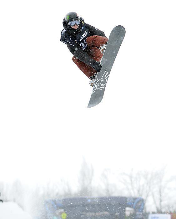 IOURI,P. SNOWBOARD HALFPIPE