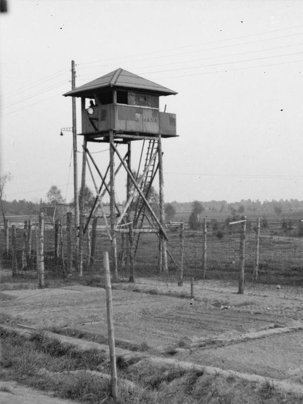 Home Prisoner Of War Camp Prison Prisoners Of War
