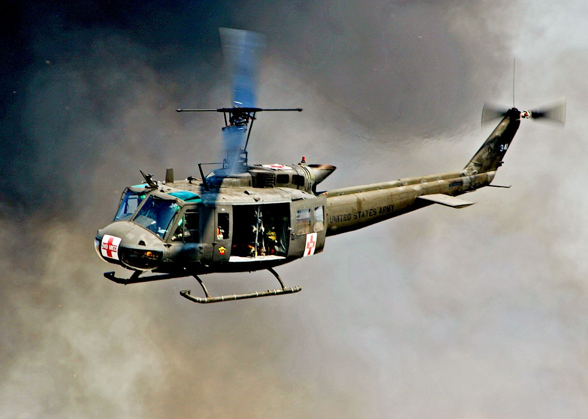 what role did the helicopter play in vietnam