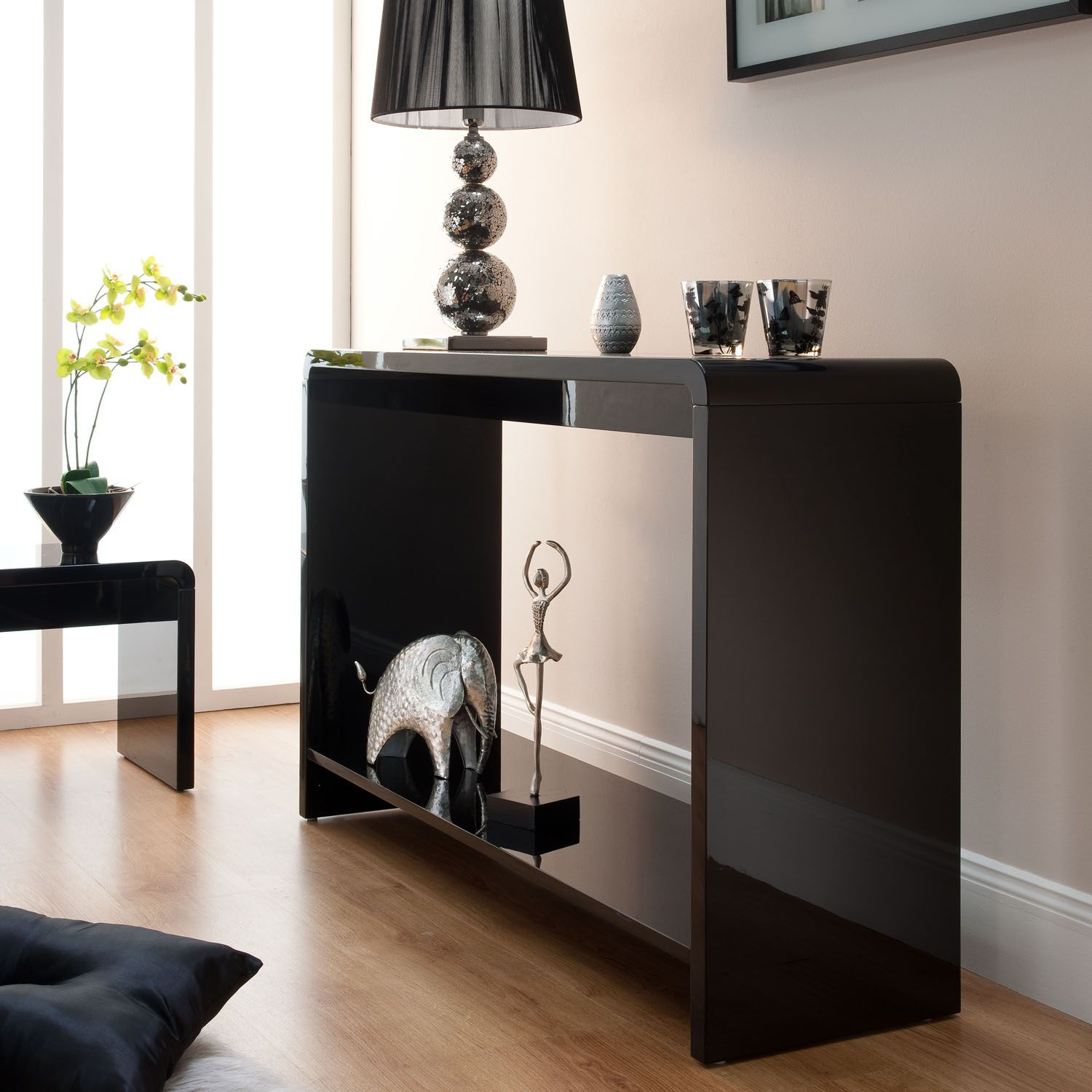 Modern black console table - Amazing Choice For Modern Houses Discover More Modernconsoletables Net Consoletable