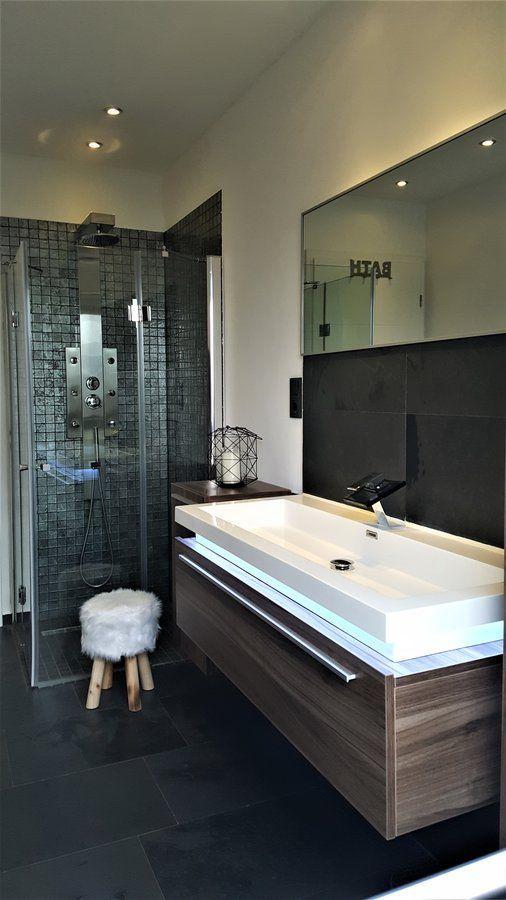 Kleiner Enblick ins Gäste Bad mit Mosaikfliesen SoLebIchde Foto - kleine badezimmer design