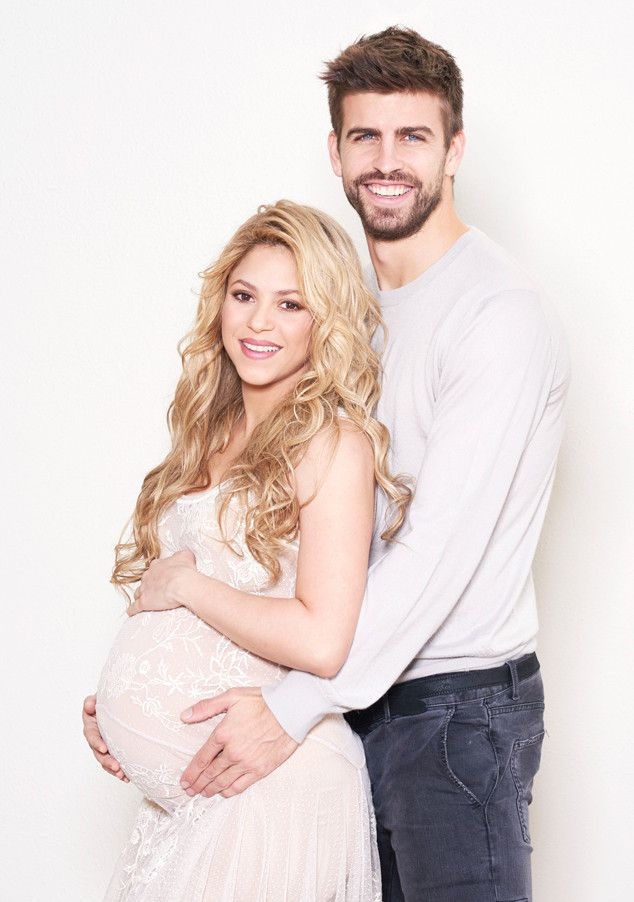 Shakira Shows Baby Bump, Poses With Son, Boyfriend—See Pics ...