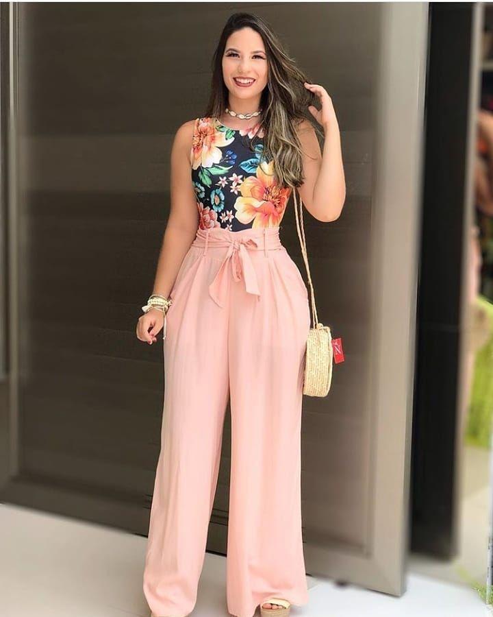 A Imagem Pode Conter 1 Pessoa Em Pe Moda Moda Feminina Roupas Femininas Chique