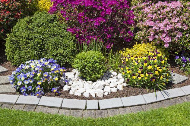 Como decorar patios para m s informaci n ingresa en for Lindos jardines pequenos
