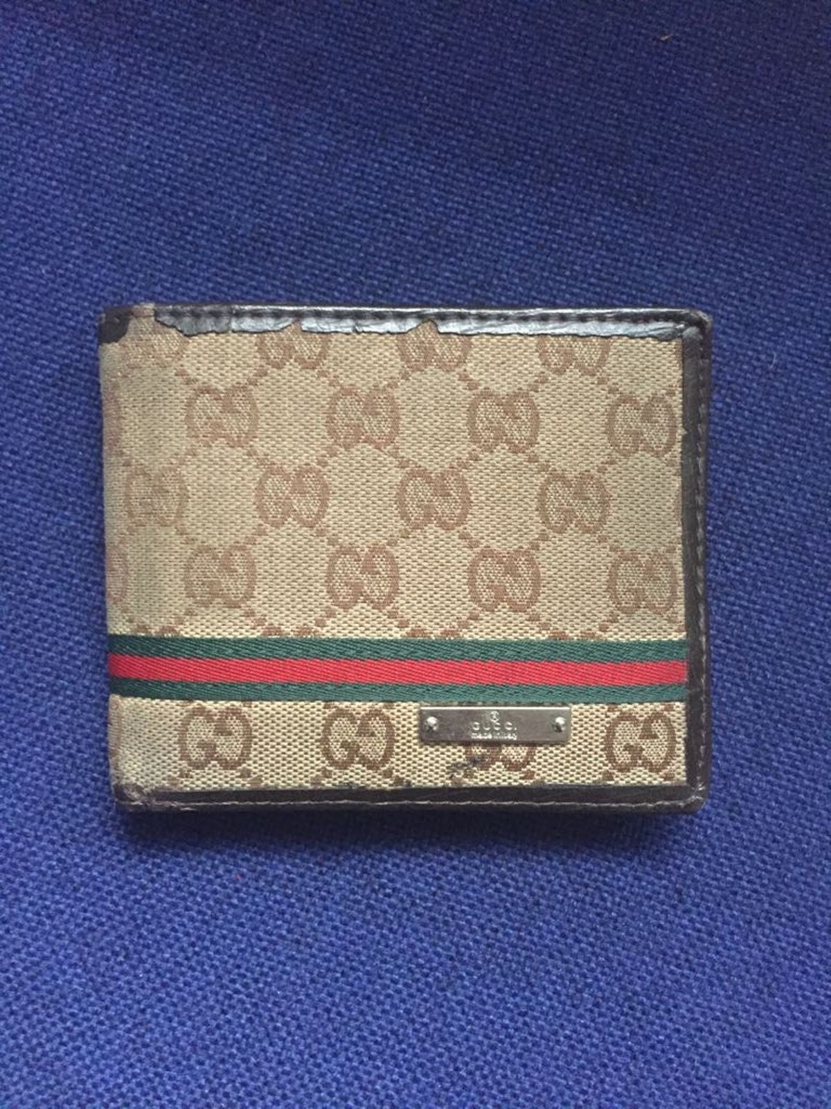160a1baa1086 Buy Gucci Gucci Wallet, Size: ONE SIZE, Description: Gucci Wallet, cond  8/10, 100% original. Ask me for more photos. , Seller: gulottafrank, ...