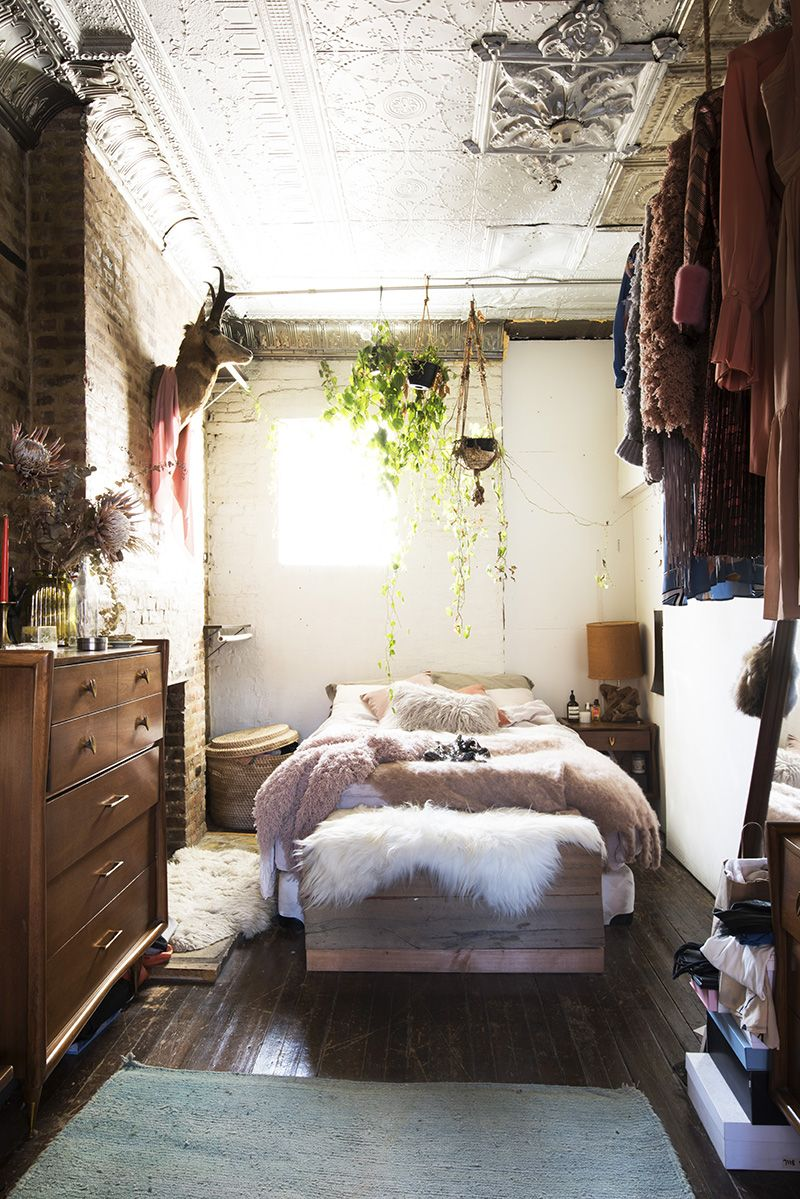 Real cool people apartments aurora james man repeller also pinboard rh co pinterest