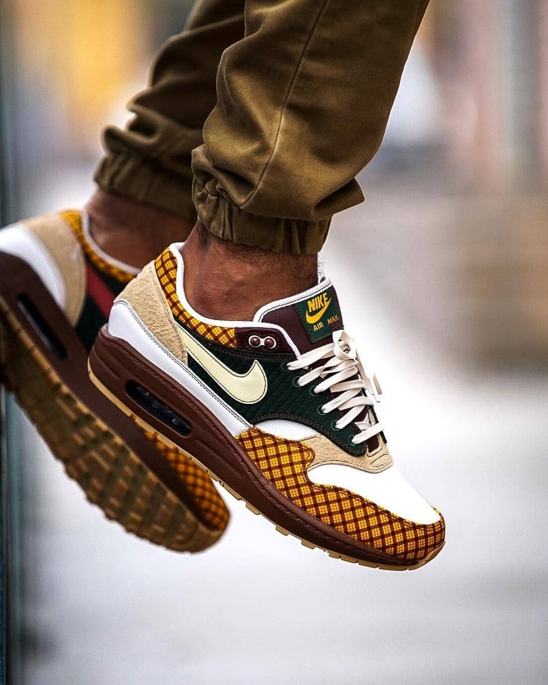 Sneakhamddict Wearing The Air Max 1 Susan Hashtag Epsilonmagazine Or Tag Us To G Sneakers Men Fashion Nike Air Shoes Sneakers