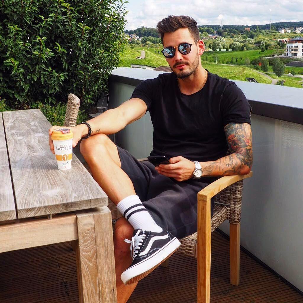 Sundays With Lattesso Mein Gesicht Ist Nun Auf Einigen Lattessocups Zu Sehen Folge Lattesso Und Poste Einer Deiner In 2020 Bvb Dortmund Borussia Dortmund Romane