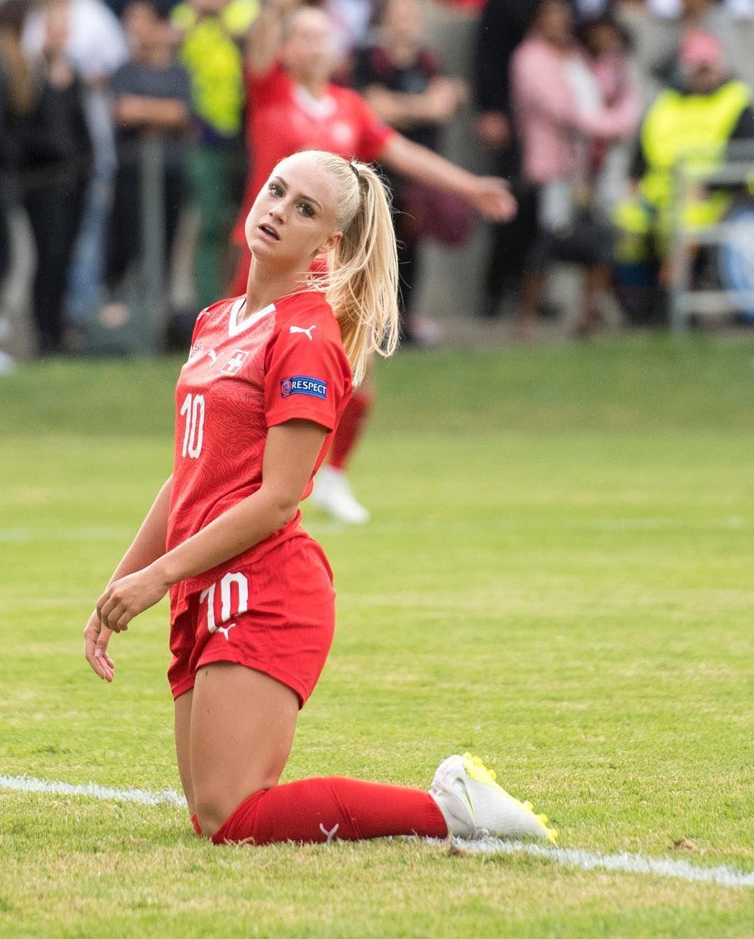 Pin On Women In Sports