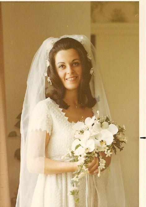 1970\'s wedding dress inspiration [more at pinterest.com/eventsbygab ...