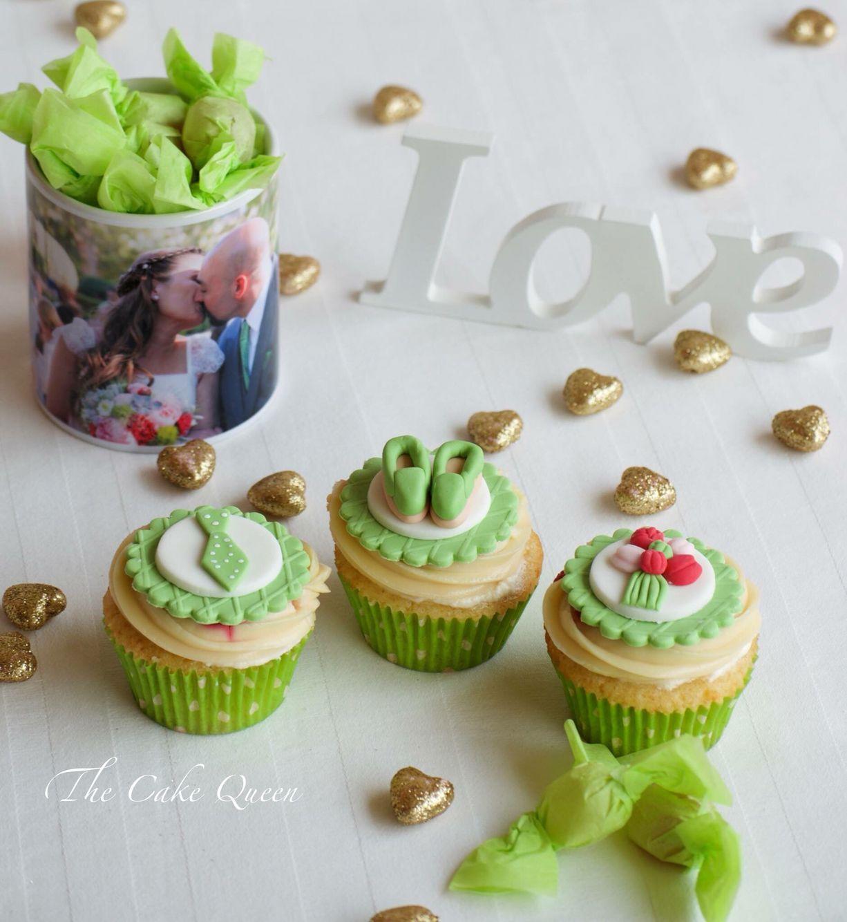 UNOs cupcakes para celebrar el segundo aniversario de boda de Alejandra y Pablo