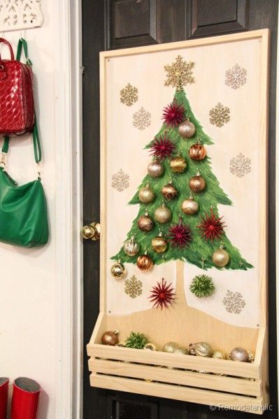 Paint A Corkboard Thumbtacks To Hold Mini Ornaments And Small Wood Crate To Hold Ornaments Diy Pallet Wood Christmas Tree Photo Christmas Decorations Christmas Tree Advent Calendar Christmas Diy