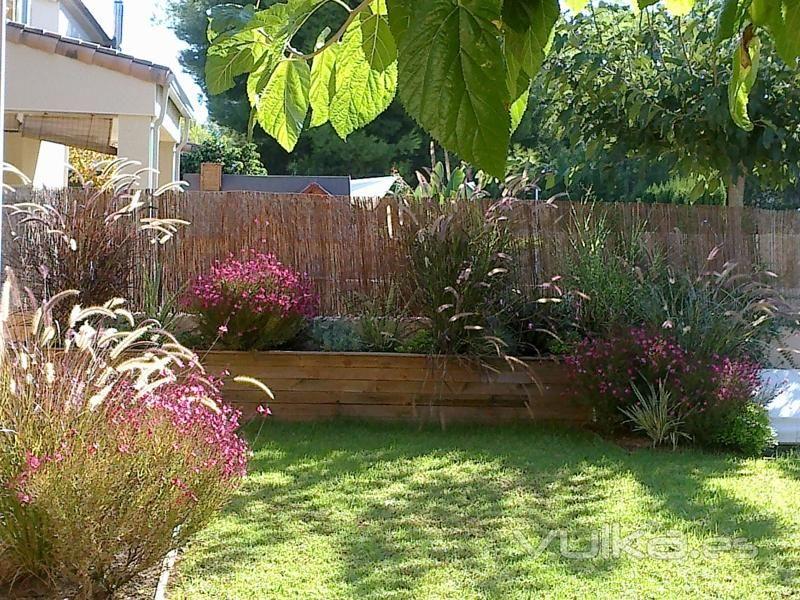 Algunas ideas para jardines peque os exterior garden - Ideas para jardin ...